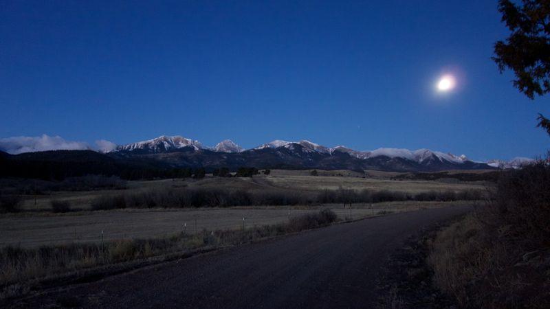 Wolf Springs Sunrise Moon M12-14